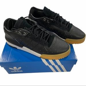 mens Adidas Rivalry RM low shoes size US 11 1/2 UK 11 F 46 D 11 J 295 CHN 285